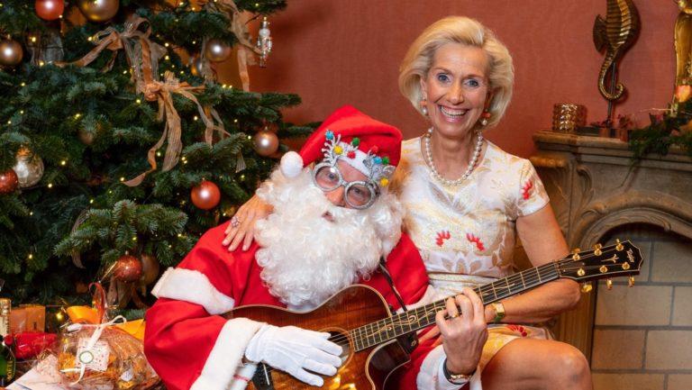 Santa rockt die CeU-Weihnachtsshow
